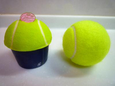 テニスボール型ケーキ